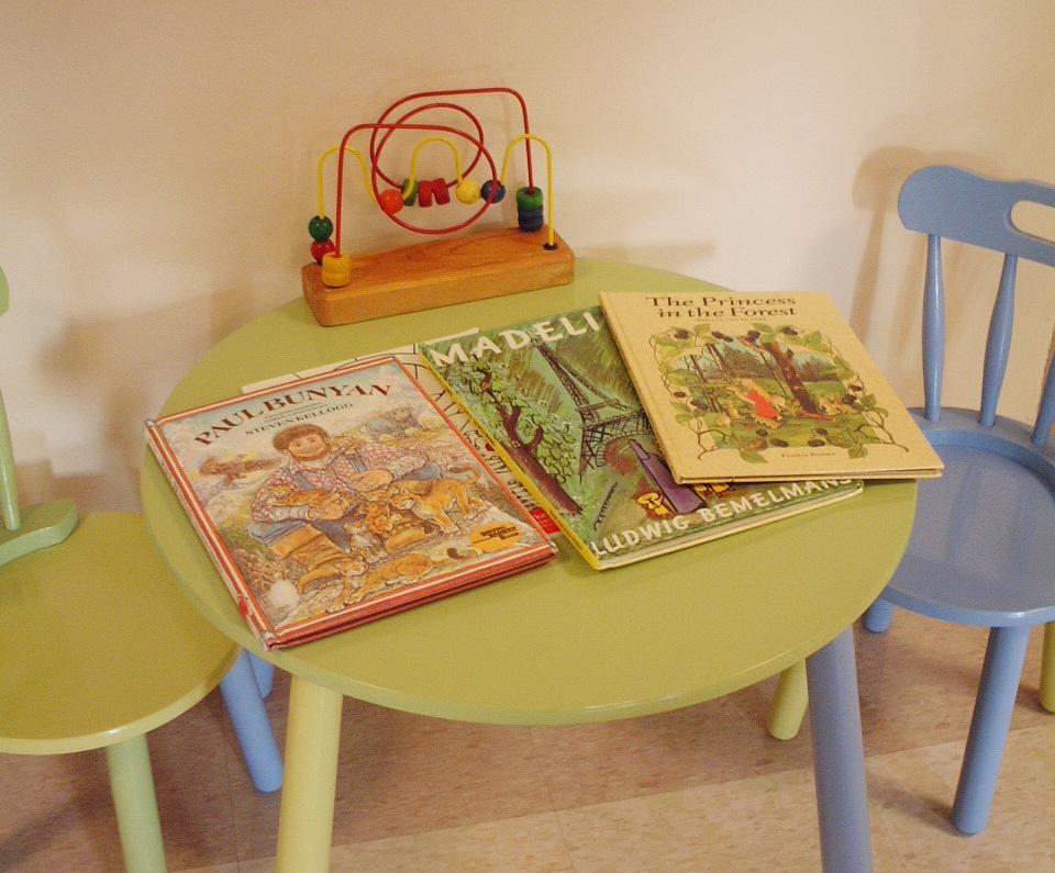 絵本・親と子どもの本棚babycom